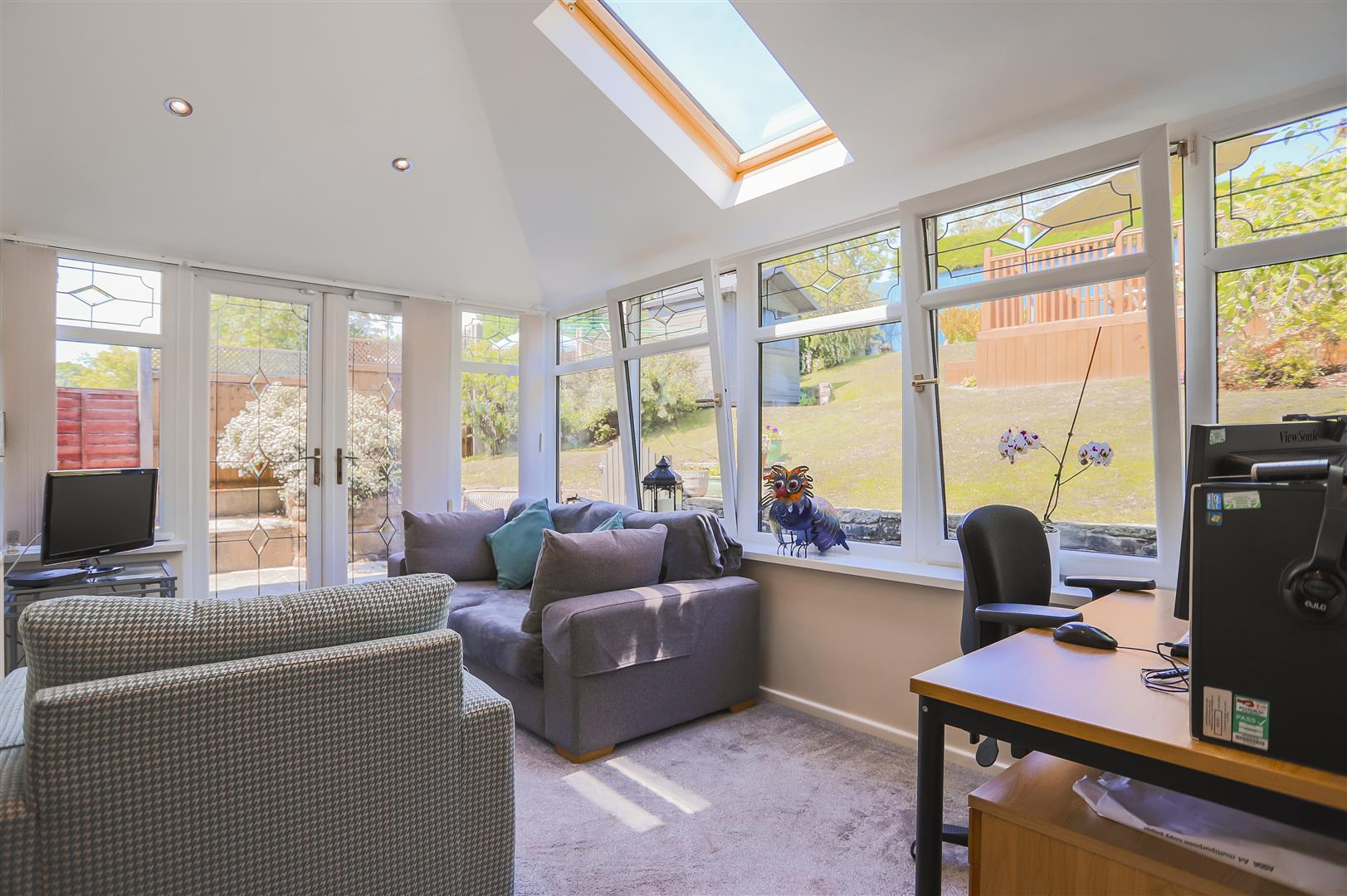 4 Bedroom Semi-detached House For Sale - Image 14